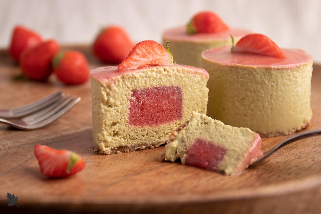 Staudenknoeterich-Erdbeer-Toertchen